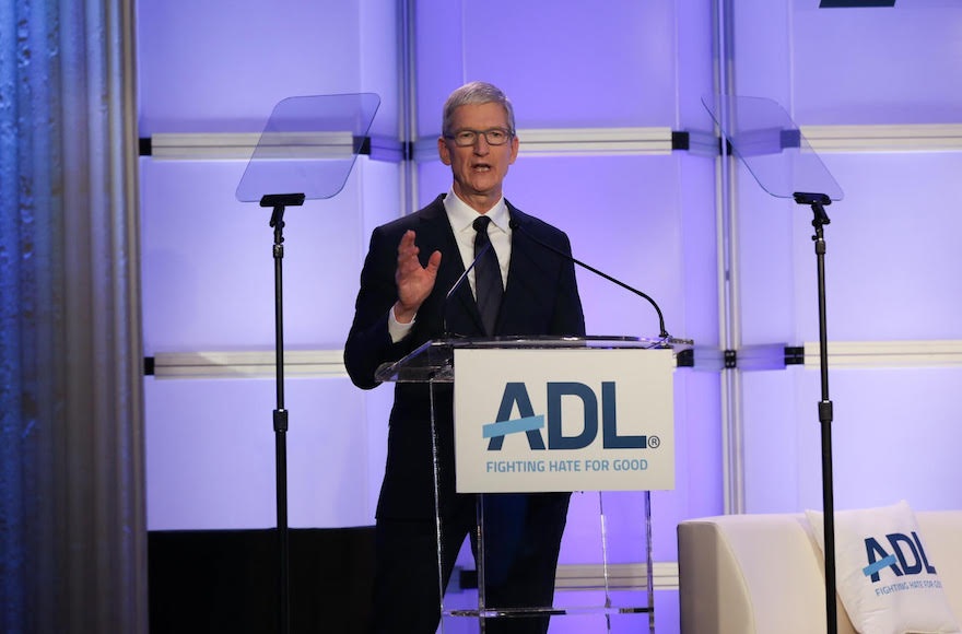 Apple CEO Tim Cook speaks Hebrew in address at anti-Semitism conference